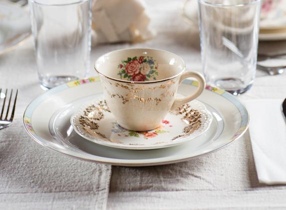 イギリス土産と言えば陶器の食器は外せない